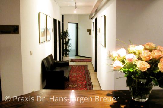 Flur der Praxis Dr. Breuer